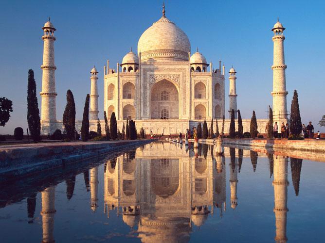Tádzs Mahal-Az indiai Agrában található mauzóleum.