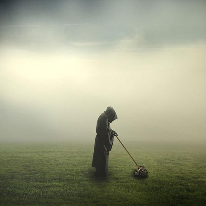 Füvet nyíró halál egy hatalmas köd lepte réten