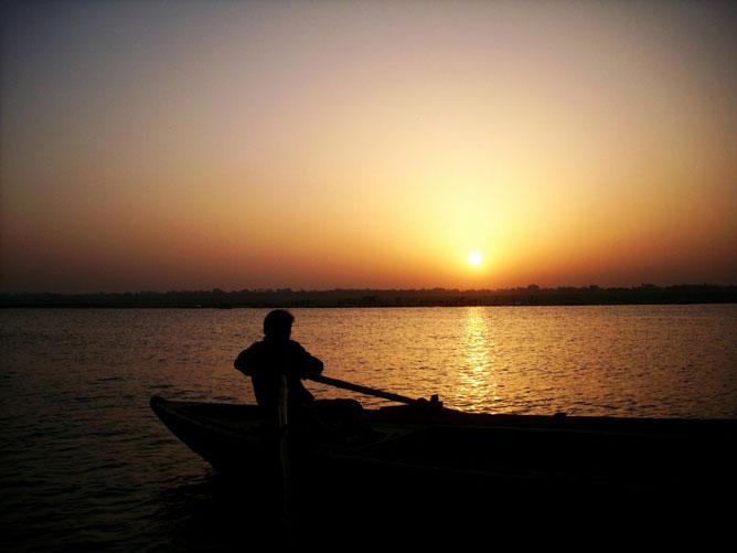 Naplemente a Ganges folyónál.