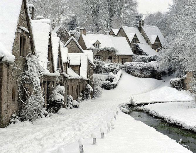 Téli falu.