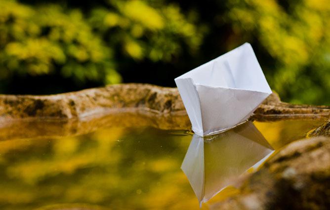 papírcsónak.