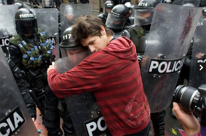 békés tüntető.