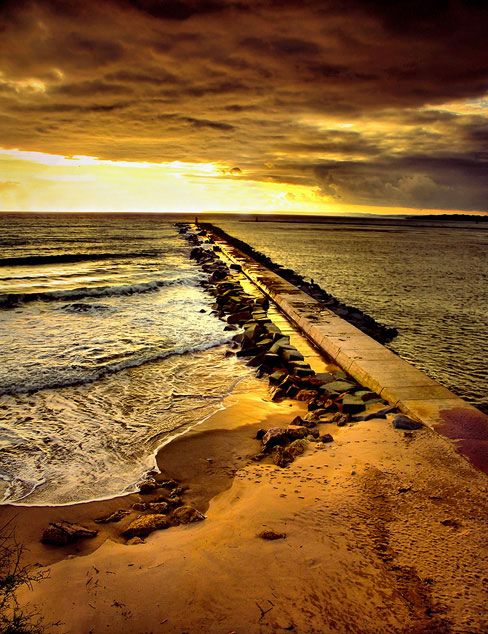 sunris in sea.