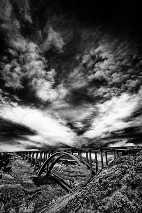 sky- black and white.
