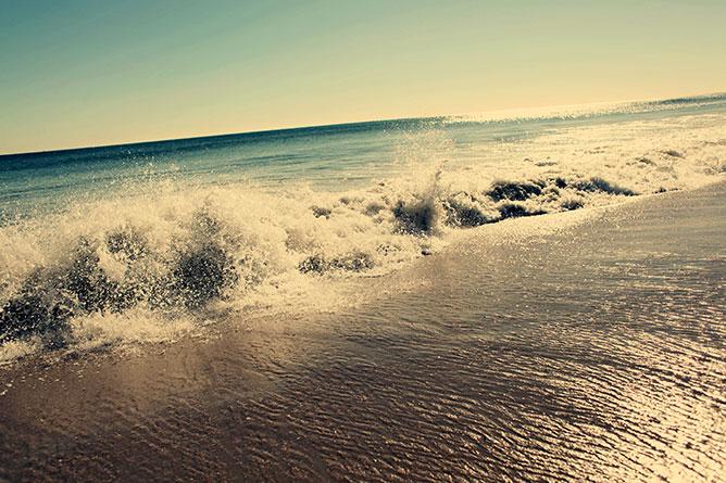 óceán -hullámok.