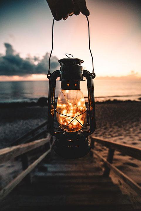 lámpás.